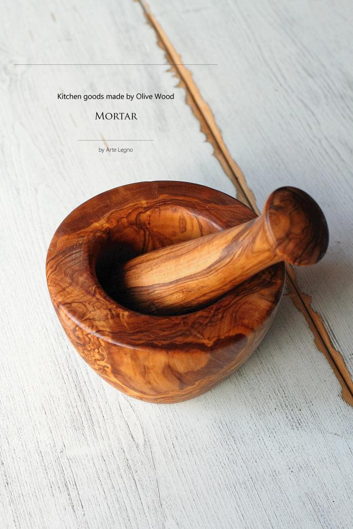 オリーブの木で作られたモルタル (すり鉢) イタリア製 (Italian Mortar made by Olive Wood)