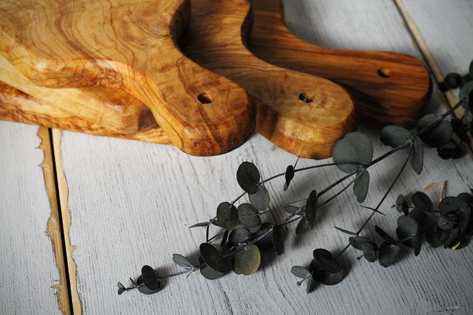 オリーブの木 カッティングボード 持ち手部分
